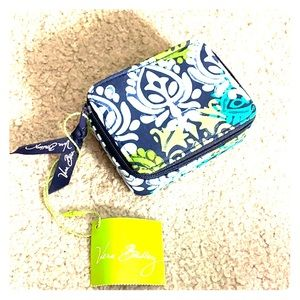 💕 Vera Bradley travel pill case Caribbean Sea nwt